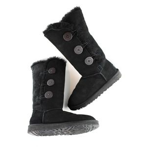 UGG Bailey, Triple Button Boot, Size 5